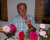 Sieger Günther Michel mit der 'Siegerrose'