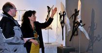 Els mit ihren Napflauf-Skulpturen