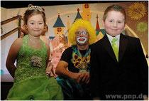 Großer Auftritt fürs kleine Prinzenpaar: Anna-Maria I. und Julian Alexander I. zeigten gestern beim Kinderfasching in der Stadthalle, dass sie als Regenten was drauf haben.