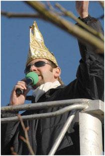 Markus Lorenz moderiert den Faschingszug Pocking 2008