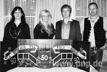 Bühnenbild für die Stadthalle Pocking der Faschingsgesellschaft mit Prinzenpaar und Bühnenbaumeister