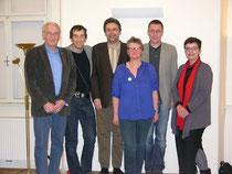 Von links: Karl Watz (Kath. Arbeitnehmer/innenbewegung), Christoph Watz (Welthaus Erzdiözese Wien), Peter Maurer (Bildungszentrum St. Bernhard), Fritzi Zauner (attac Wr. Neustadt), Niko Paech und Madleine Petrovic (Grüne NÖ).