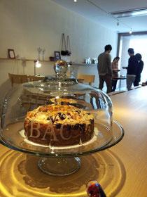 cafe141店内はゆったり。最後のコーヒーとおやつも楽しみの一つです