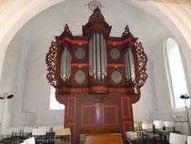 Die Orgel mit dem Prospekt aus dem 17. Jhdt.
