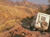 Landcruiser in Namibia auf Van Zylès Pass