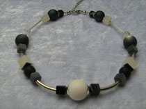 Collier schwarz-weiß (7965)