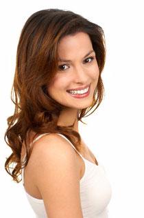 Bleaching (Zahnaufhellung) führt zu sichtbar weißeren Zähnen