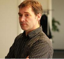 Jürgen Flenker schreibt Romane, Erzählungen, Gedichte sowie Aphorismen