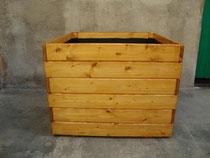 Jardinera de madera grande
