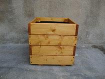 Maceta de madera 40x40x40