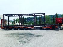 Rimini gru Bilico con rimorchio ribassato e allungabile per trasporto eccezionale. Trasporto struttura in ferro. Riminigru di Ferri & C. Srl Tel 0541731264