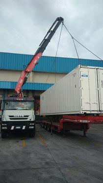 Rimini gru camion gru per sollevamento e spostamento container a Cesena