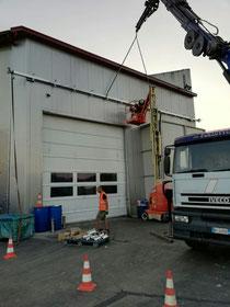 Rimini gru Camion gru per sollevamento materiale in ferro a Cesena per fabbro