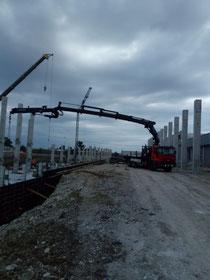 Rimini gru noleggio motrice con gru per montaggio prefabbricati a Santarcangelo di Romagna