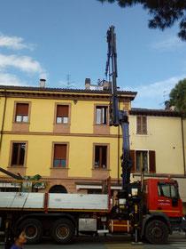 Gru per sollevamento a Rimini