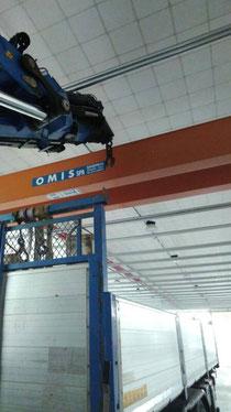 Rimini gru camion gru per installazione carroponte a Cesena