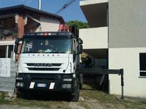 Rimini gru bilico con gru per smontaggio gru edile a Riccione
