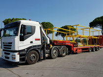 Trasporto carico e scarico con gru struttura in ferro da Rimini a porto di Genova