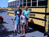 mit dem Schoolbus wurden wir immer vom Hotel zum EDC transportiert