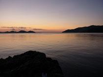小浜湾に夕陽が沈んだあと