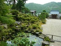 「萬徳寺」庭園