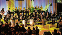 International vernetzt: Die Mr. P.C.-Big Band der beiden Erkelenzer Gymnasien beim Geburtstagskonzert zum zehnjährigen Bestehen im November. Foto: Passage (Archiv)