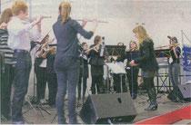 Das Querflötenorchester der Kreismusikschule Heinsberg unter Leitung von Esther Mann zeigte die musikalischen Möglichkeiten der verschiedenen Flöten.                                                    rp-foto: jürgen laaser