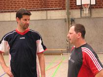 Teamarbeit: Tobias Töpfer (li) und Uwe Koschützki