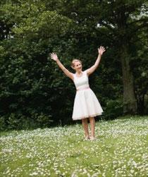 HochzeitsbilderGeschichte Gut Suckow Brautkleid la petite marie