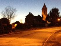 L'église de Moyon, par un soir d'hiver ensoleillé