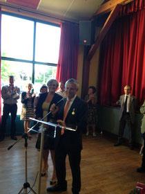 Gérard Loyer et derrière lui son épouse, à qui il a tenu à rendre hommage