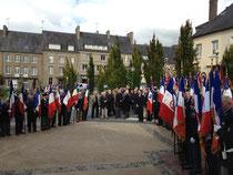 Plus de 70 porte-drapeaux pour la cérémonie en mémoire des morts