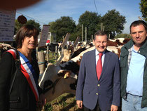 Inauguration de la Saint-Macé: sur l'espace réservé au concours d'élevage, avec Mme Panassié, maire, et Monsieur Lechat, président du comice
