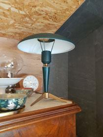 Lampe de bureau des années 50 dessinée par Louis Kalff, modèle Bijou, dans son jus.