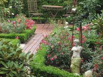 Gartenidylle der Ferienwohnung in der Glockenstraße 16 in Moormerland, Landkreis Leer, Veenhusen