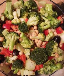 Broccoli,Paprika,Kichererbsen Salat