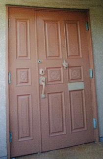 塗装して塗潰した玄関ドア