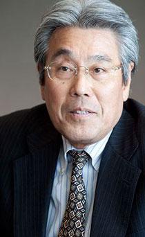 吉田雅彦 プロフィール  1947年静岡県生まれ。1969年に、早稲田大学政治経済学部卒業後、高千穂交易に入社。1988年、前年の買収をきっかけに新天地を求めて日本タンデムコンピューターズへ移り、1992年に取締役就任。以降、度重なる買収・合併の中で営業の要として敏腕を振るい、常務取締役、専務執行役員などを歴任。2007年に、日本HP 取締役 相談役に着任し、現在に至る。