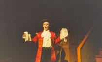 Molière s'inspire de Rabelais (Tiers livre, XXXIV): une femme devenue muette, un médecin lui rend la parole. Elle parle tant que son mari veut la faire taire. Son médecin le rend sourd.