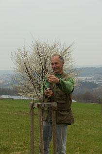 Herr Leinweber beim Schnitt