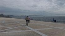 明石大橋を見ながら
