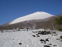 溶岩台地から岩手山