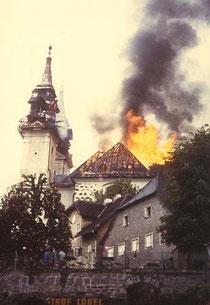 Vollbrand Kirchenschiff