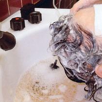 頭皮、毛根の汚れを洗い流します。