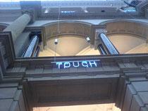 iAula m Museum für Kommunikation Berlin, Leuchtschrift: Touch
