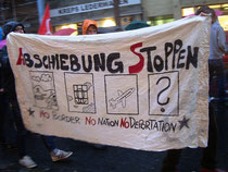 Demo Trasnparent: Abschiebung stoppen