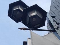 新宿末広通り街路灯