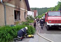 6 Feuerwehren im Einsatz bei Wohnungsbrand in Stiefern. Foto: BFK-Krems Stierschneider