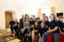 Schüler der Mary- Ward-Volkschule zu Beuch im Rathaus. Foto: Stadt Krems