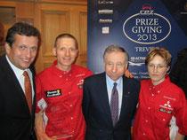 Ing. Gerhard Teuschl, FiA Präsident Jean Todt, Preisträger Alfred Fries und seine Frau Karin. Foto: zVg